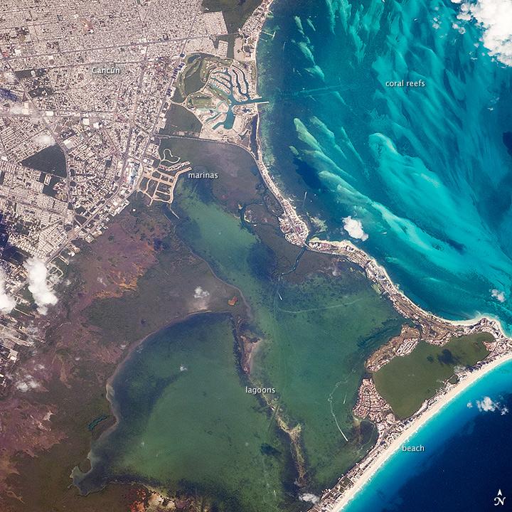 cancun-desde-el-espacio-mexico