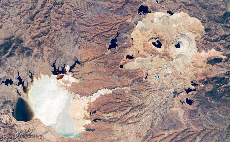 mexico-desde-el-espacio-mina-de-cananea.jpg